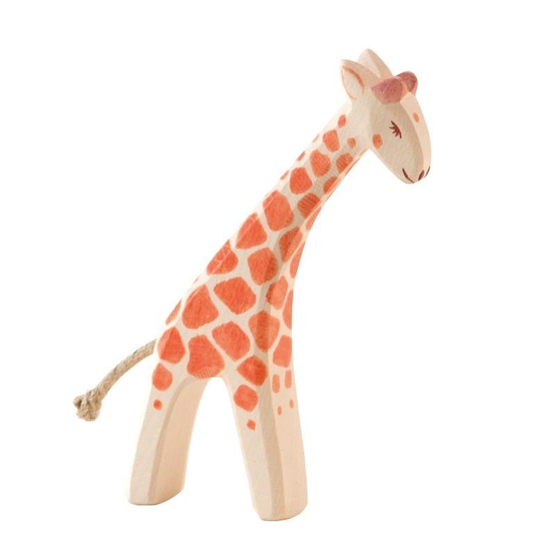 Holztier: Giraffe klein gebeugt