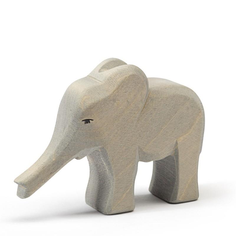 Holztier: Elefant klein Rüssel gestreckt